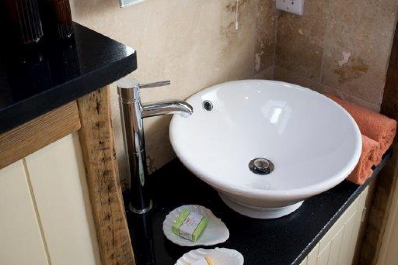High Barn Owl House en-suite